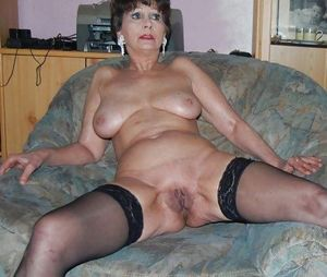 naked chubby mature
