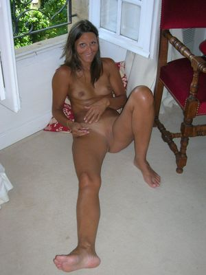 mature nude wives photos
