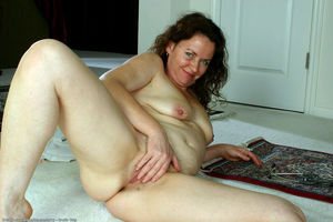 naked milf pussy