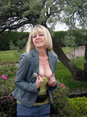 hot mature naked