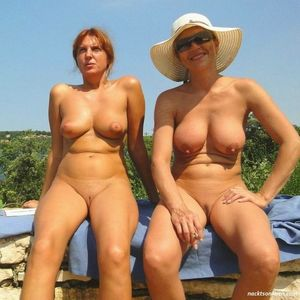 nudist mother