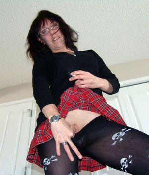 milf pantyhose videos