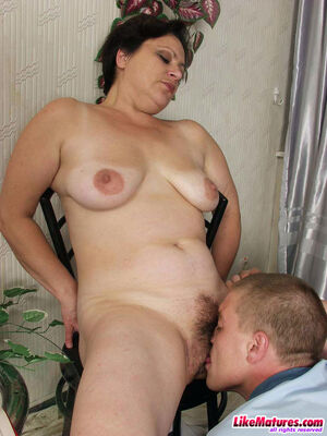 Hairy pussy MILF fucked at likematures.com