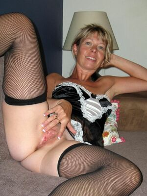 See my pussy, nude moms and housewifes