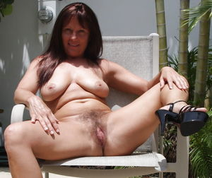 mom hairy pussy pic
