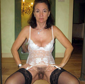 naked mature girlfriend