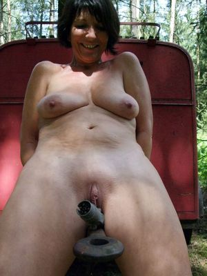 naked amateur mature women
