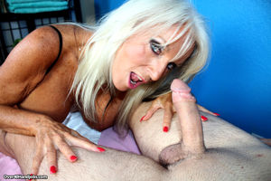 big tits mom handjob