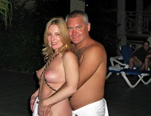 curvy mature swingers