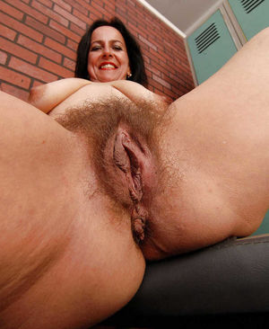 moms big hairy pussy