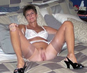sexy moms in stockings